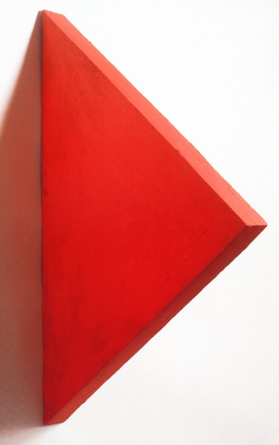 Red TRIANGLE - Eduardo Costa, Cecilia De Torres Ltd.