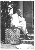 Matto in his garden, Montevideo - Francisco Matto, Cecilia De Torres Ltd.
