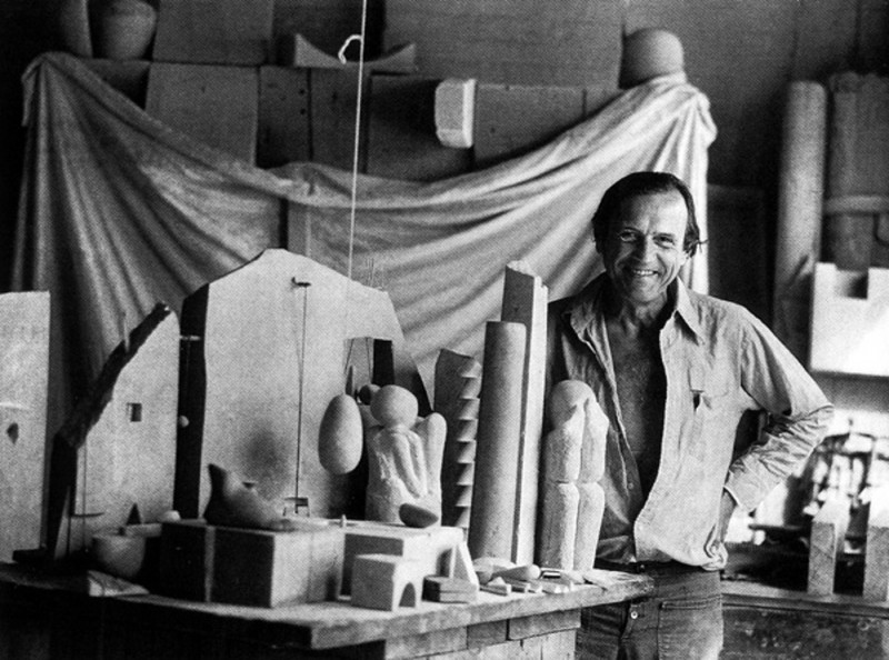 Photograph of Gonzalo Fonseca at his studio - Gonzalo Fonseca, Cecilia De Torres Ltd.